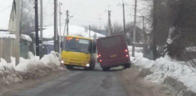 Два автобуси комунального підприємства потрапили у ДТП