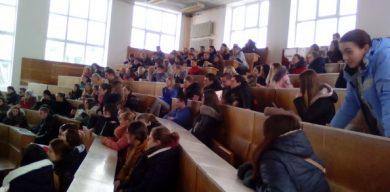 """Сумські студенти кричали ректору """"Ганьба!"""""""