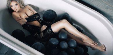 Сумський фотограф шокував еротичною фотосесією