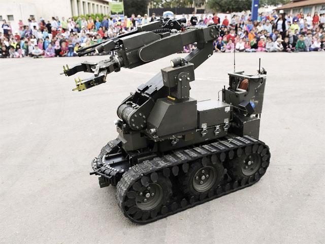 bomb-disposal-robot