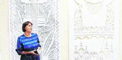 В Сумах открылась выставка вытынанки