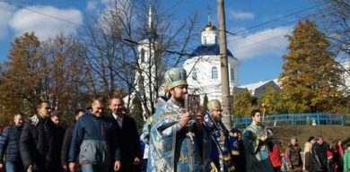 Сумчани пройшлися Хресною ходою на честь Корсунської ікони Богородиці