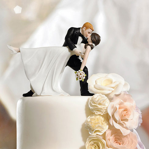 a-romantic-dip-dancing-couple-cake-topper-d2