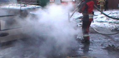 У Сумах згоріла автівка
