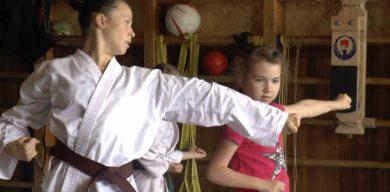Дівчина з ДЦП привозить медалі зі світових чемпіонатів