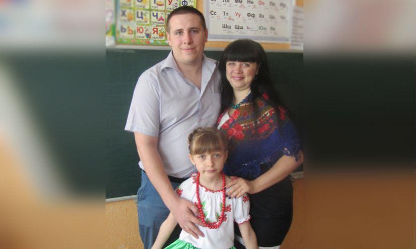 u-doci-na-shkilnomu-svjati1-830x495