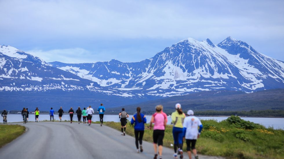 worlds_best_marathons_midnight_sun_marathon_tromso_norway-1-980x549