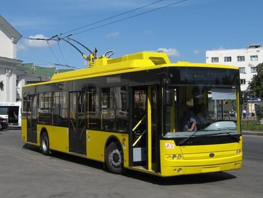 u-sumah-proponuyut-zamist-pryvatnyh-avtobusiv-vypustyty-na-liniyu-trolejbusy