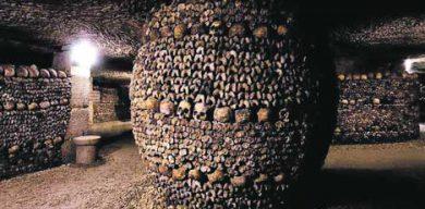 Сумчанин побывал в знаменитых парижских катакомбах, где у многих волосы встают дыбом