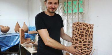 Кераміст, який дивує Париж, ні разу не виставляв роботи у рідному Конотопі