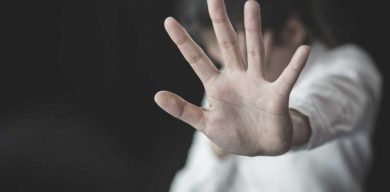 На Сумщині у зґвалтуванні 15-річної дівчинки підозрюють її батька та дядька