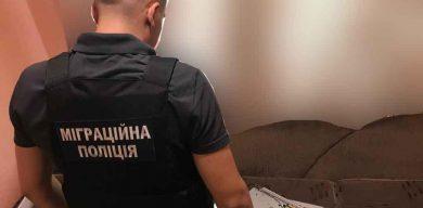 Поліцейські встановили чергового сумчанина, який зберігав відеозаписи з дитячою порнографією